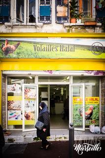 In Noailles zijn er nieuwe halal slagers die slachten waar de koper bij is.